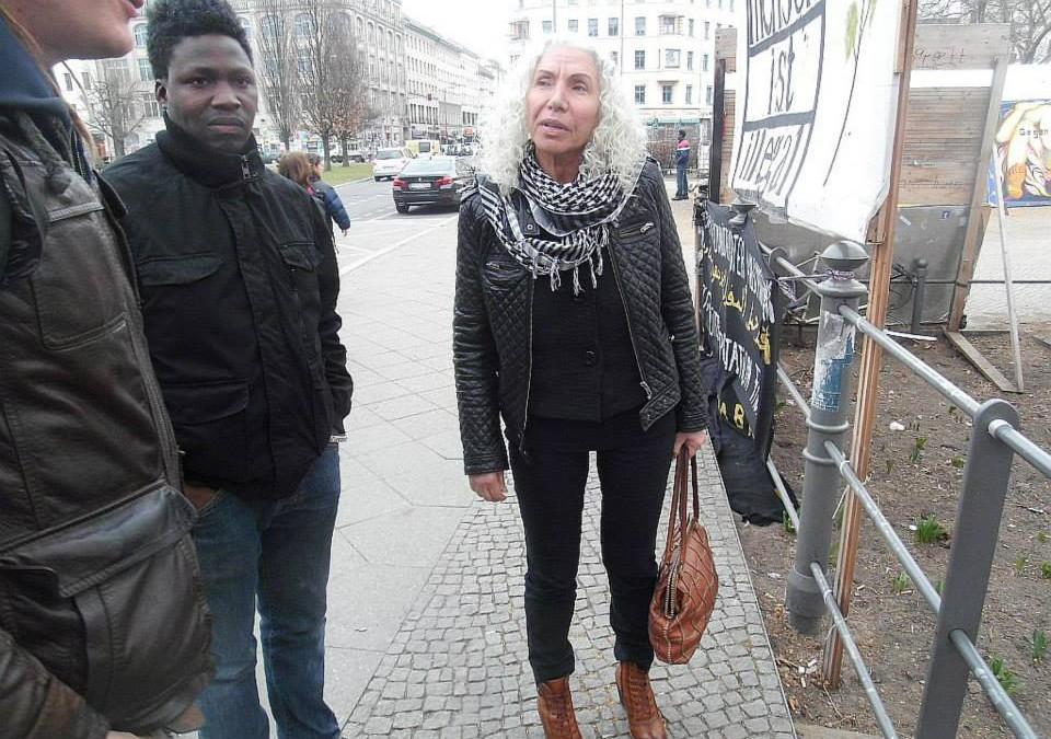 Gespräche nach mutmaßlichem zweiten Brandschlag auf das Refugeecamp am O-Platz