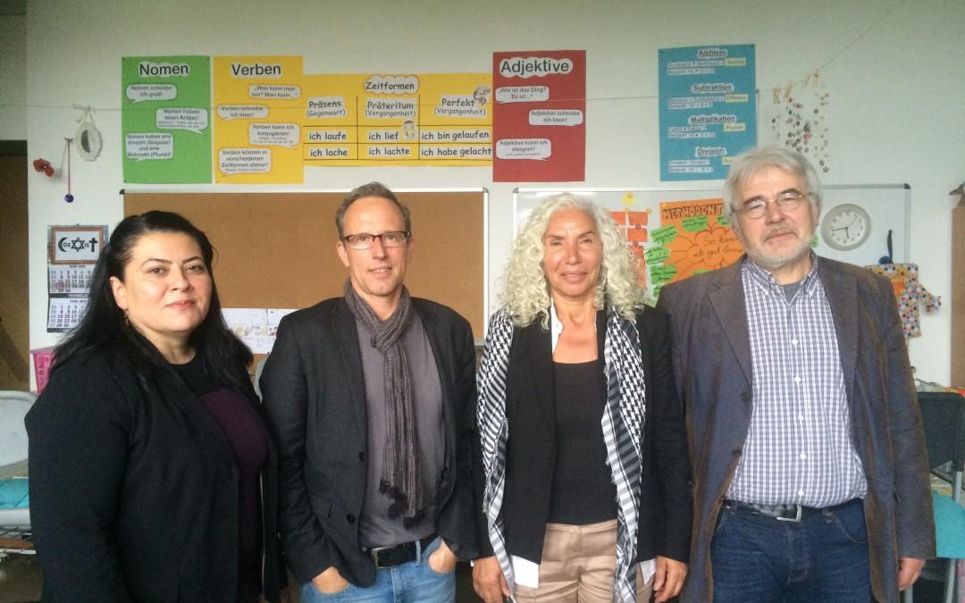 Bundestagsabgeordnete Azize Tank besucht Gemeinschaftsschule in Schöneberg