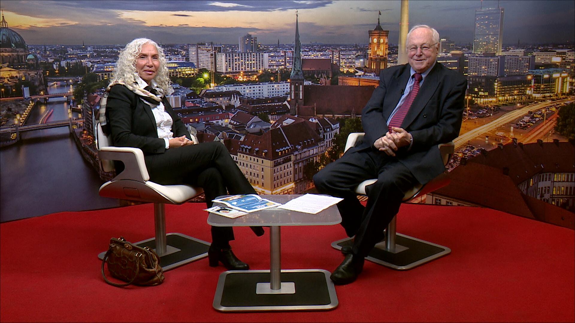 Azize Tank im Gespräch im TV Berlin